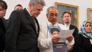 Bundespräsident trifft Hinterbliebene