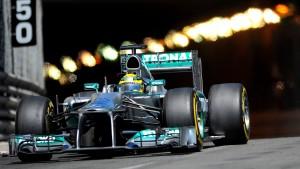 Verband behält sich Strafe gegen Mercedes vor