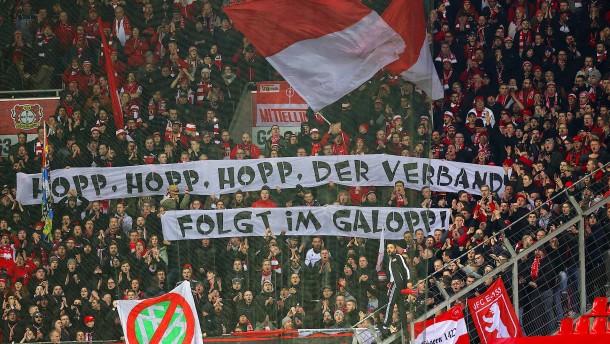 Hopp & Co. – Was kann, darf, muss der DFB tun?