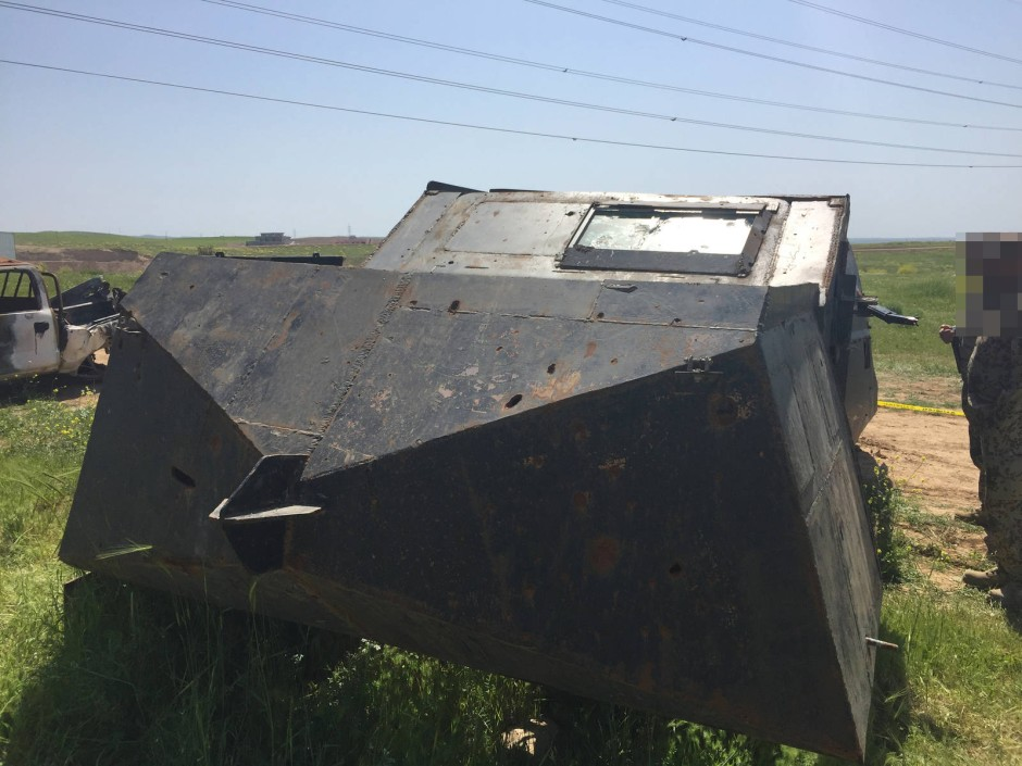 Mit gepanzerten Fahrzeugen wie diesem verübt der IS Selbstmordanschläge.