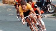 Dietrich Thurau bei der Tour de France 1977 im Gelben Trikot