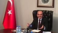 Der stellvertretende türkische Ministerpräsident, Mehmet Şimşek, spricht am Mittwoch in seinem Büro in Ankara mit deutschen Journalisten.