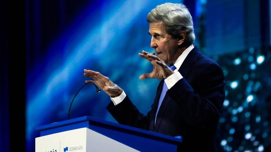 """Der ehemalige amerikanische Außenminister John Kerry hat mit """"World War Zero"""" eine Kampagne gegen den Klimawandel gegründet."""
