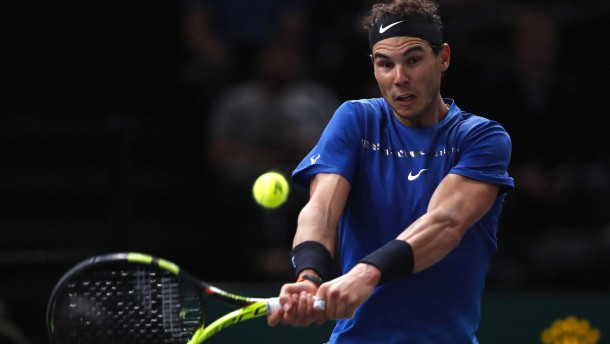 Was macht Nadals rechtes Knie?