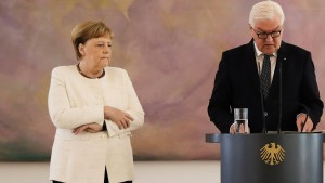 Merkel zittert abermals
