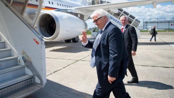 Merkel und Seehofer stellen sich vor Steinmeier