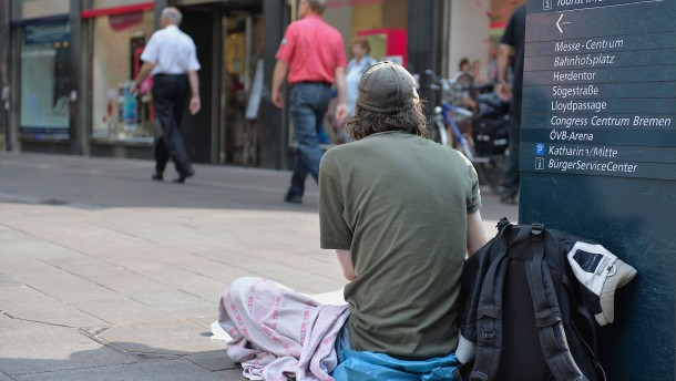 Arbeitslosigkeit sinkt, Armut nicht