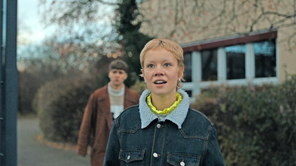 In der Spiegelwelt: Lea Drinda (vorn) und Johan Korte