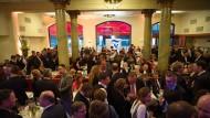 """Volles Haus im """"Borchardt"""": Rund 450 Gäste gaben sich beim Empfang der F.A.Z. die Ehre."""