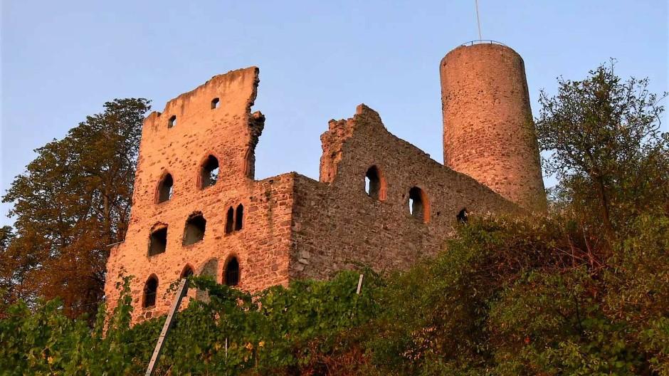 Zugang nicht möglich: In ihrem pittoresken Verfallszustand ist die Burg ohnehin am schönsten von außen anzusehen.