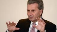 EU-Kommissar Oettinger droht Frankreich