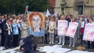 Gegen den Missbrauch in der katholischen Kirche und für Frauen und für Frauen als Priesterinnen: Mahnwache in Münster am vergangenen Sonntag.