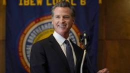 Kaliforniens Gouverneur Newsom hält sich im Amt