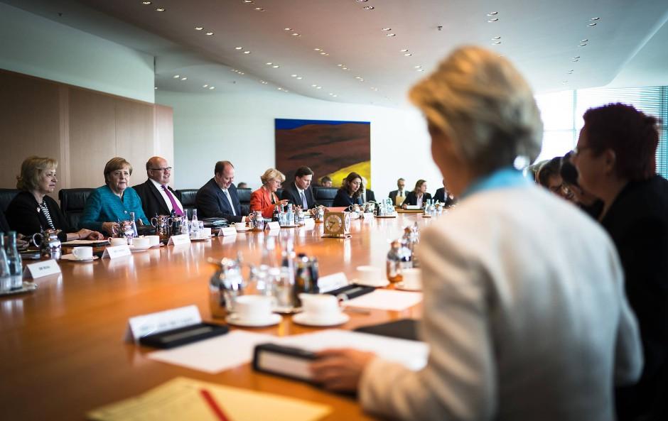 Mehr Frauenpower für Angela Merkel und ihr Kabinett