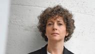 """Unheimeliges Heimatland: Sasha Marianna Salzmanns neuer Roman """"Im Menschen muss alles herrlich sein"""""""