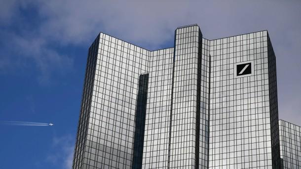 Ermittler durchsuchen Deutsche Bank