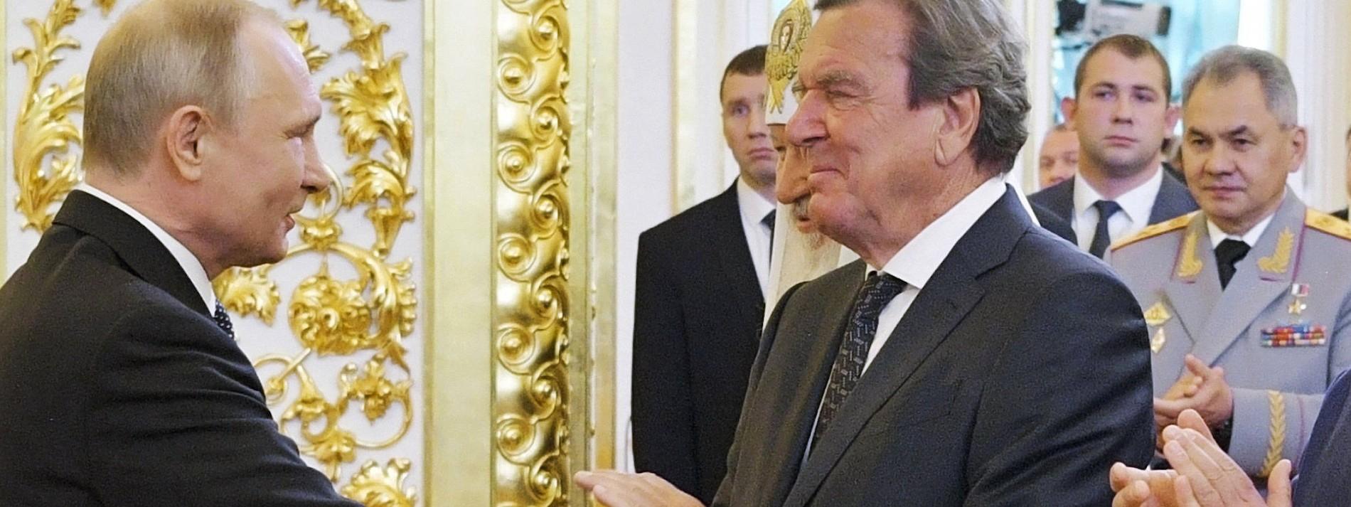 """Röttgen: """"Schröders Verhalten erfüllt viele Deutsche mit Scham"""""""