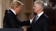 Trump schlägt den konservativen Richter Gorsuch für Supreme Court vor