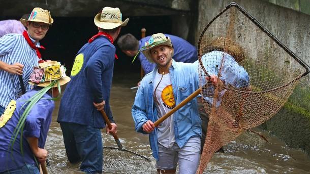 Auch Frauen dürfen jetzt mitfischen