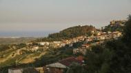 Dem Mafia-Clan Farao-Marincola wird vorgeworfen, rund um die kalabrische Gemeinde Cirò bedeutende Wirtschafts- und Handelszweige unter seine Kontrolle gebracht zu haben.