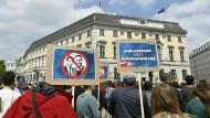 Die Wirtschaft zeigt sich angesichts der österreichischen Regierungskrise besorgt.