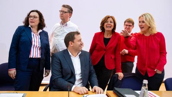 SPD erwägt vorerst Dreier-Spitze für Parteivorsitz