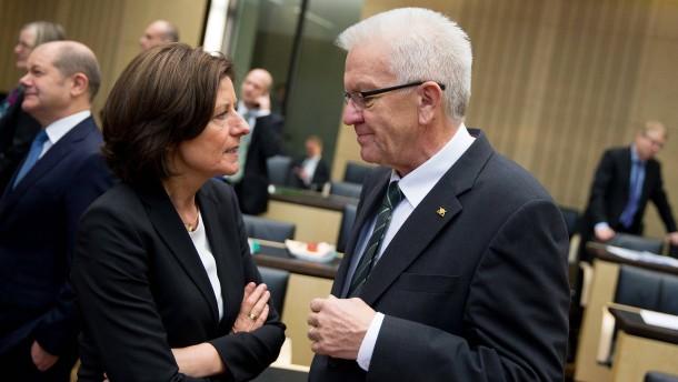 Ministerpräsidenten warnen vor zu früher Lockerung