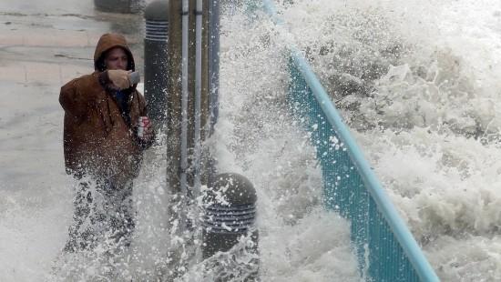 """Hurrikan """"Matthew"""" trifft amerikanische Ostküste"""