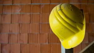 Zinsen zu hoch: Bausparkassen kündigen ihren Kunden
