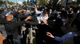 Israels Ultraorthodoxe lehnen sich mit Gewalt gegen Corona-Regeln auf
