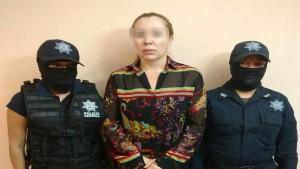 Polizisten stellen die Señora der Unterwelt von Acapulco