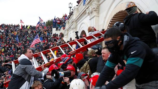 Wer war der Mob, der das Kapitol stürmte?