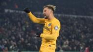 Völlig befreit: Haris Seferovic jubelt über seinen Treffer zum 2:1 im Pokalspiel der Eintracht gegen Hannover.