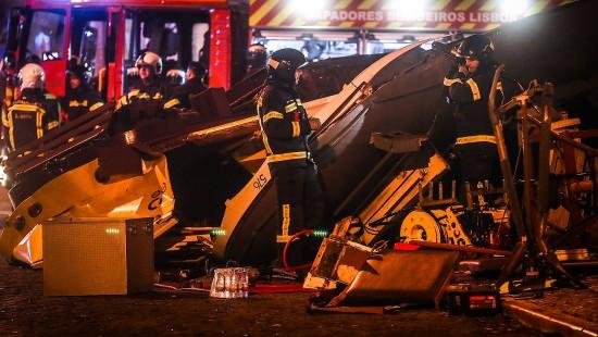 Viele Verletzte bei Straßenbahnunfall
