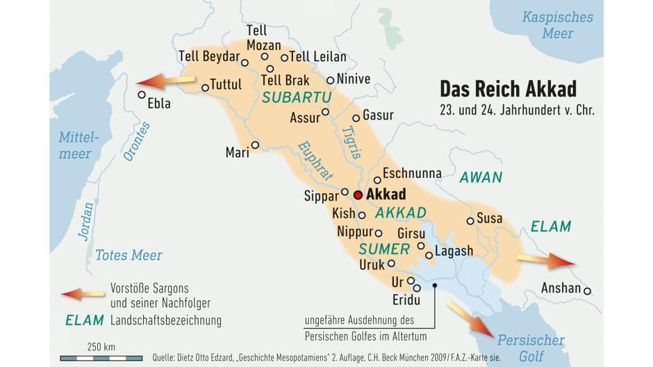 Das erste Imperium der Geschichte errichtete Sargon von Akkad in der frühen Bronzezeit. Die Stadt Akkad ist nicht lokalisiert, lag aber wohl nördlich des heutigen Bagdad am Tigris.