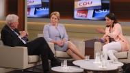 Suchen nach Kraft und Mut: Anne Will diskutiert mit ihren Gästen (hier Franziska Giffey und Volker Bouffier) den Zustand der Großen Koalition.