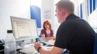 Setzt alle Hebel in Bewegung, um Langzeitarbeitslose in Arbeit zu bringen: Vermittler Andreas Wendt