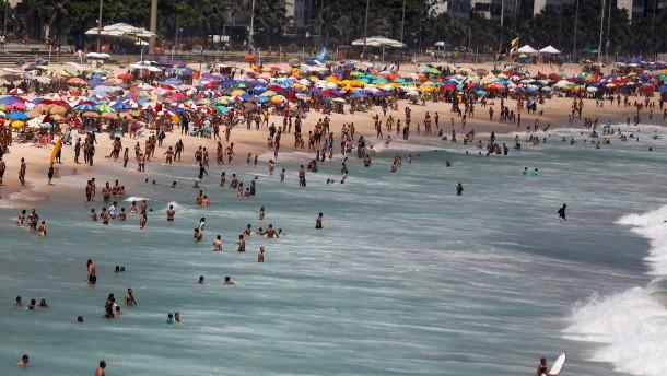 Ausgelassene Stimmung an der Copacabana