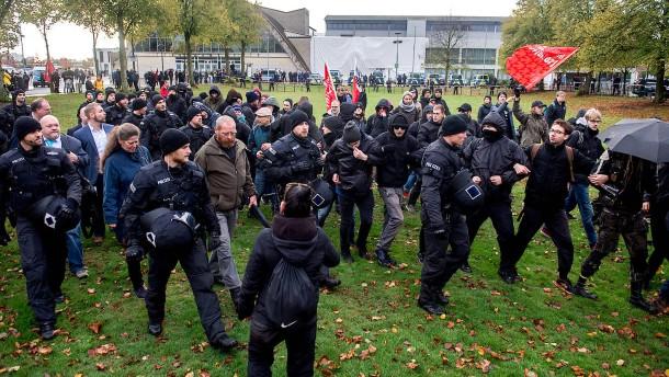 """""""Der politische Arm des Rechtsterrorismus"""""""