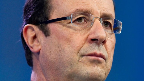 Francois Hollande and Nicolas Sarkozy at the business competitive
