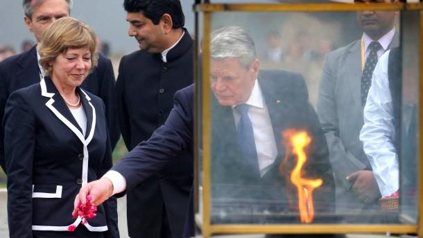 Gauck rügt Diskriminierung von Homosexuellen