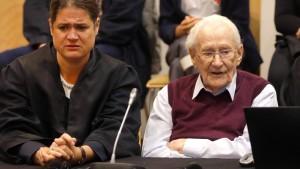 Früherer SS-Mann Gröning zu vier Jahren Haft verurteilt