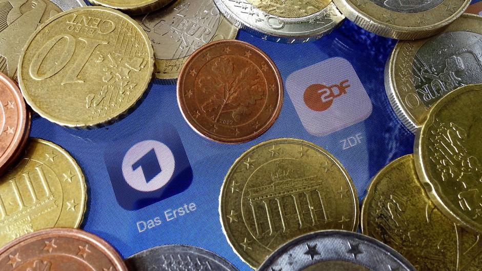 Der Beitrag soll von 17,50 Euro auf 18,36 Euro angehoben werden.