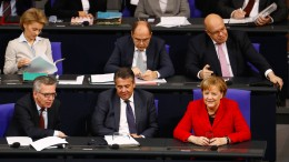 Bundestag nimmt Arbeit auf
