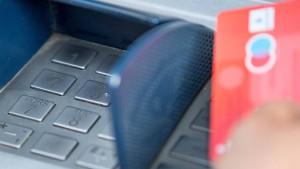 Weniger Datenklau an Geldautomaten in Deutschland