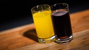 Wie lecker ist Wasser mit Zitrone-Hopfen-Geschmack?