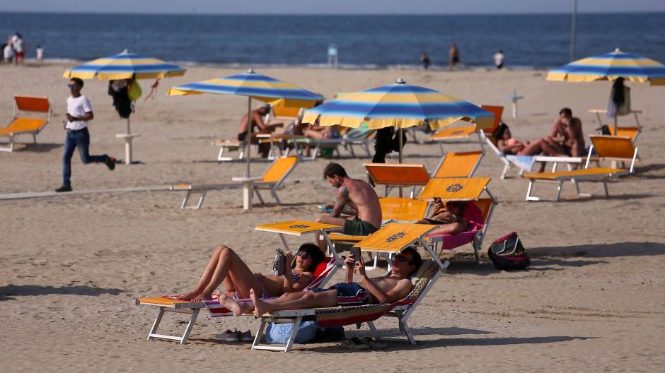 Der Strand in Rimini im Mai: Jetzt sind auch Europäer wieder willkommen