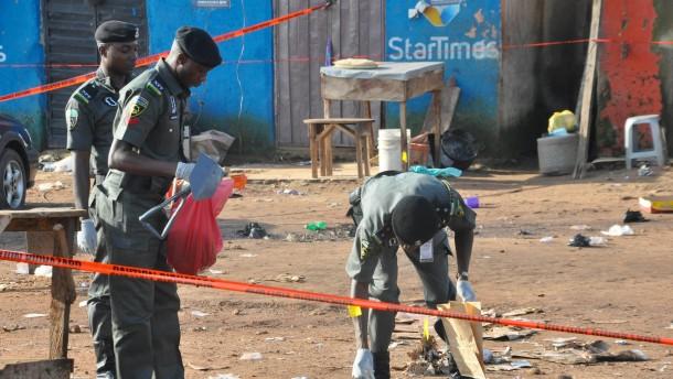 Mehr als 30 Tote bei Bombenanschlag