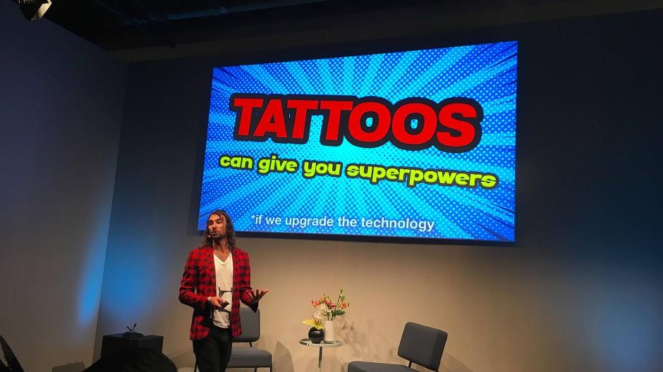 Carson Bruns nutzt die Nanowissenschaft, um Tattoos für medizinische Einsätze auszurüsten.