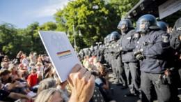 Bundesregierung kritisiert Anti-Corona-Proteste